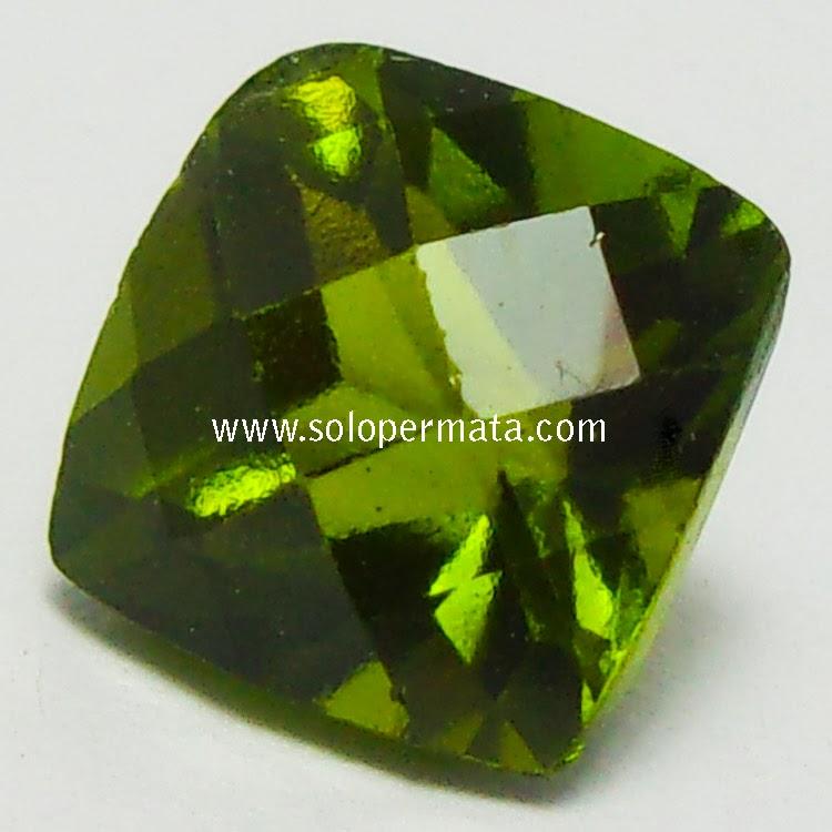 Batu Permata TOP Green Peridot - 02B09