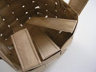 Último passo do tutorial de como fazer cesto de papel