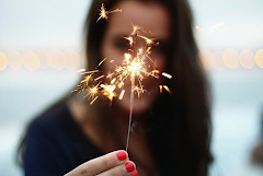 Poco, muy poco a poco, poco, que venga la magia y estemos solos.
