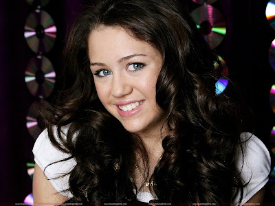 Miley Cyrus Pretty Wallpaper-1600x1200