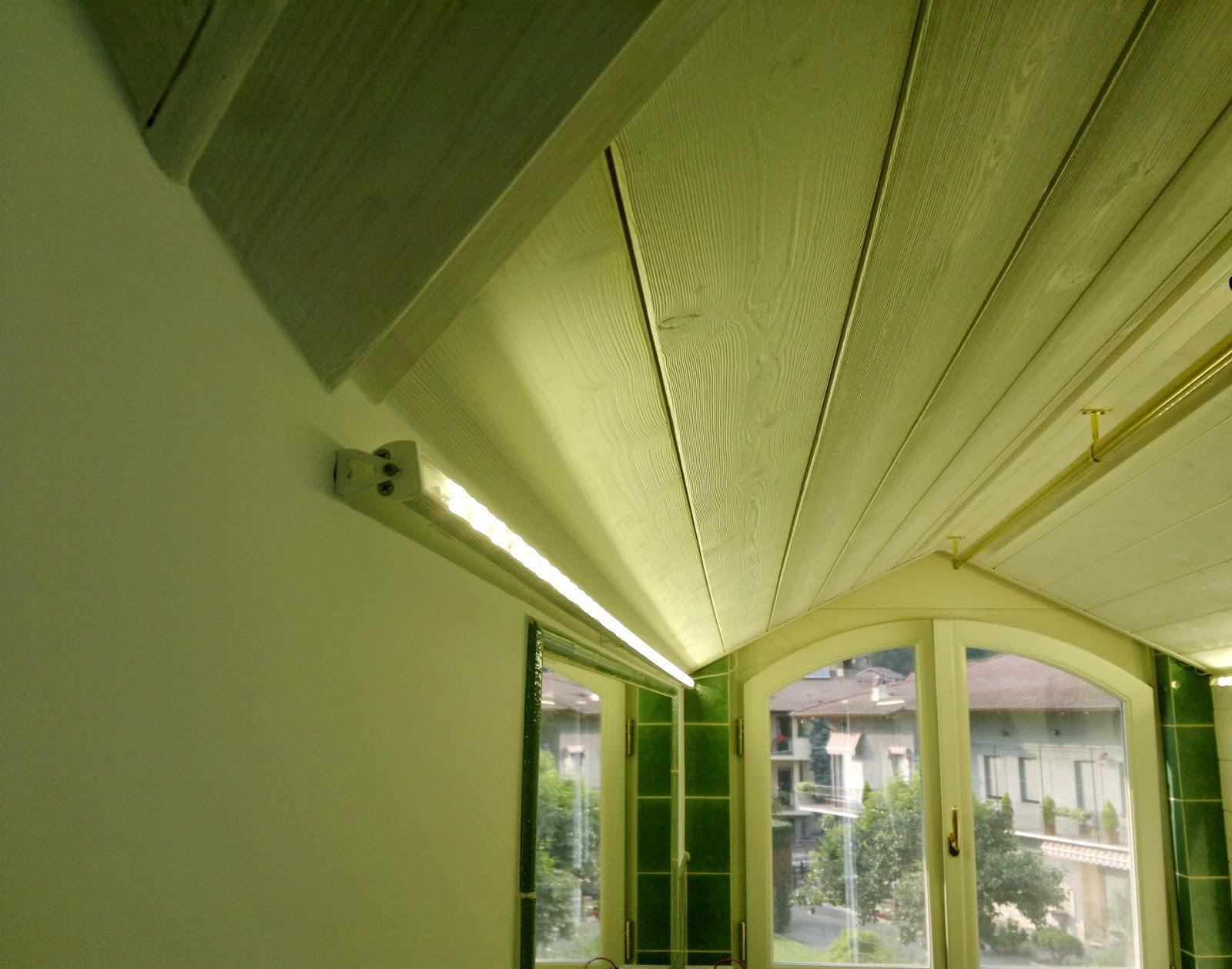 Illuminazione led casa luglio 2014 for Illuminazione sottotetto legno