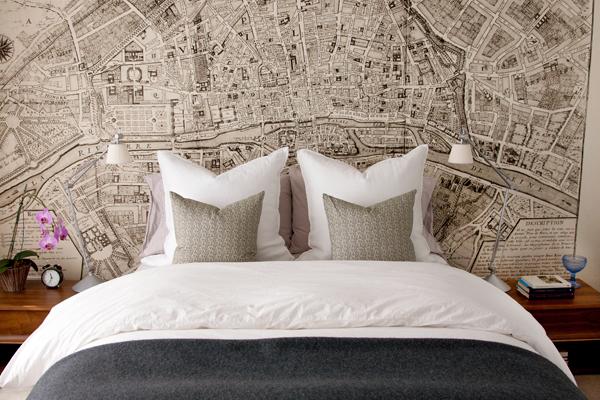 Printed+map+wallpaper+behind+bed