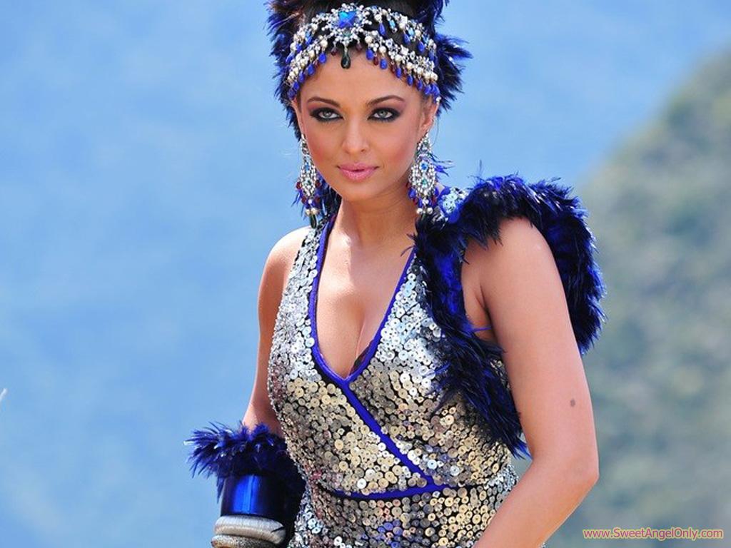 Aishwarya Rai Hot and Sexy Photos