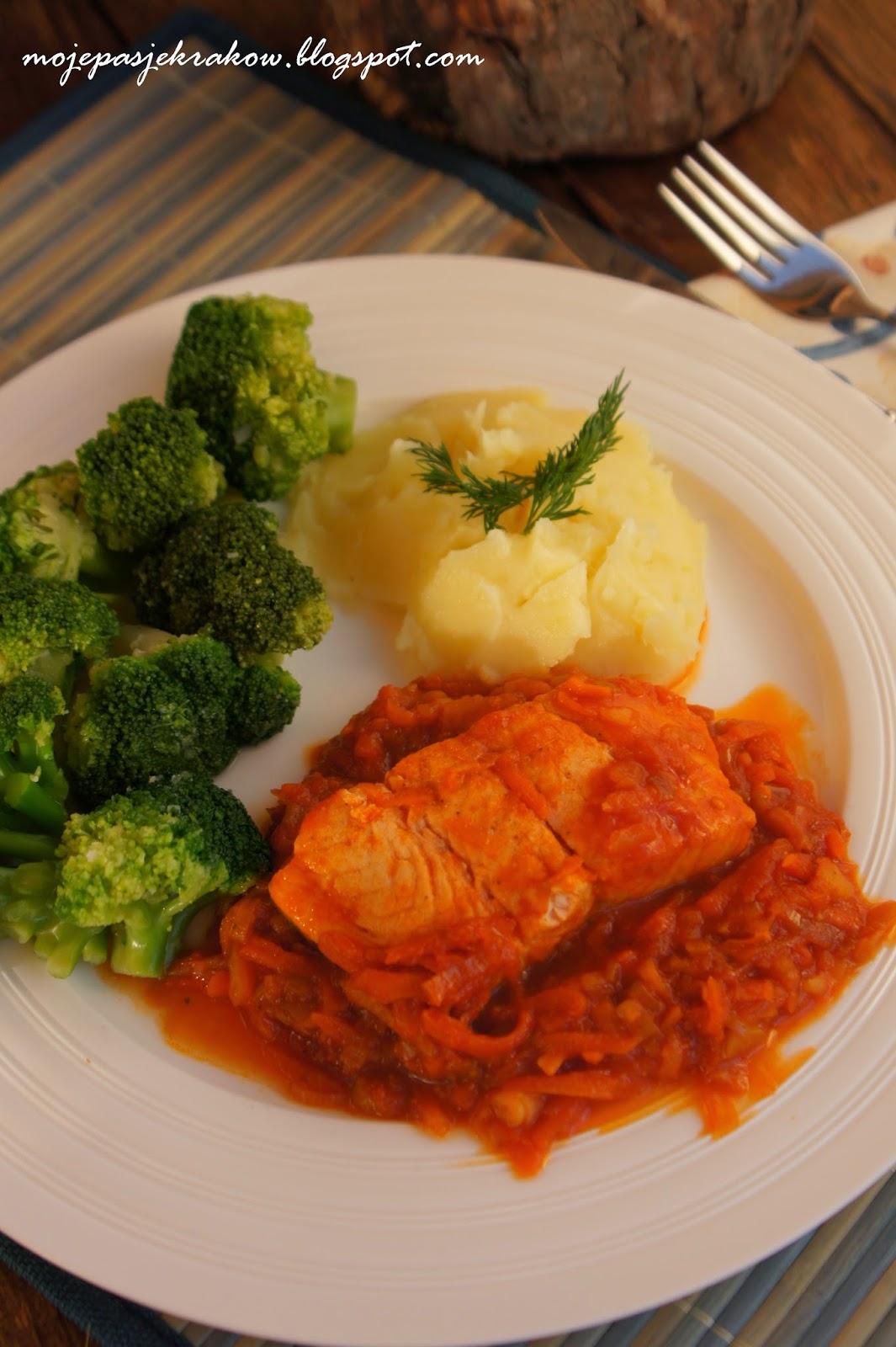 http://www.mojepasjekrakow.blogspot.com/2014/03/ryba-po-grecku-z-warzywami-obiad-do.html