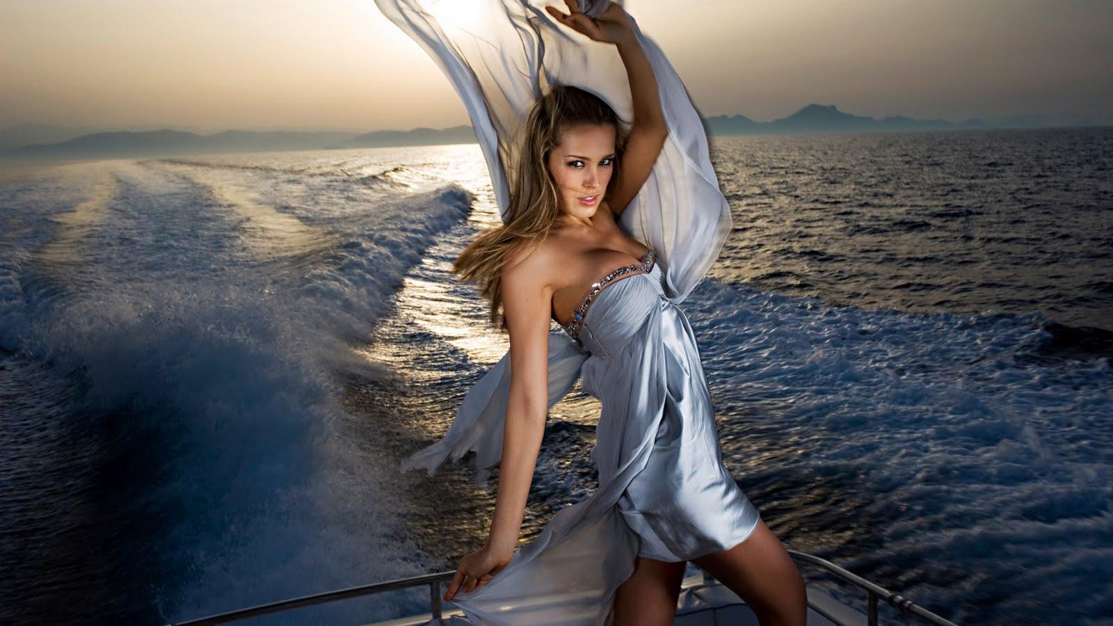 http://1.bp.blogspot.com/-rdHs4BMdPe8/TbcobJBXoFI/AAAAAAAAAAY/wnSmeUOpc00/s1600/Petra_Nemcova_yacht_photoshoot_1920x1080-HDTV-1080p.jpg