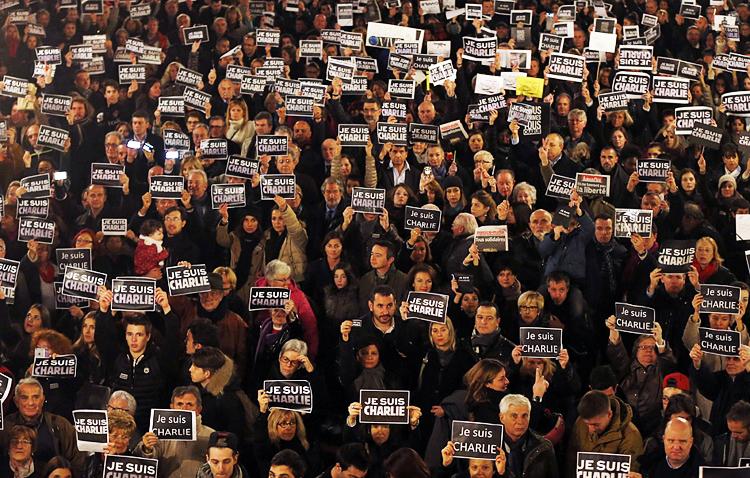 Je suis Charlie. Protestas en Francia por el ataque terrorista a la revista Charlie Hebdo | Ximinia