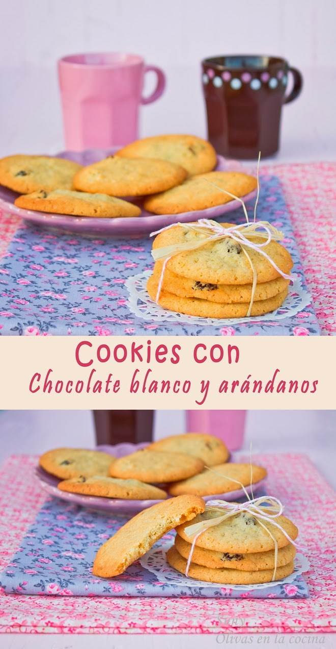 Cookies con chocolate blanco y arándanos