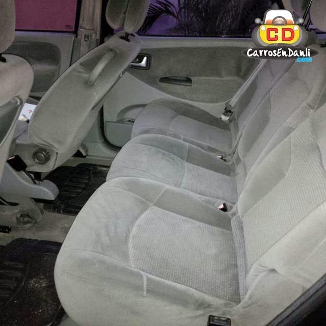 Renault 2002 interior