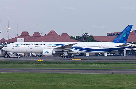 Garuda Indonesia Boeing 777-300ER sewa dari Air Austral