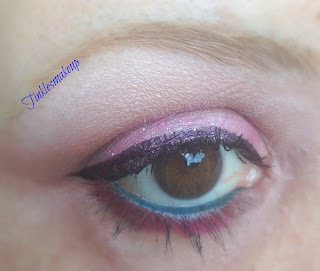 eye_makeup_look_sparkly_baby_pink