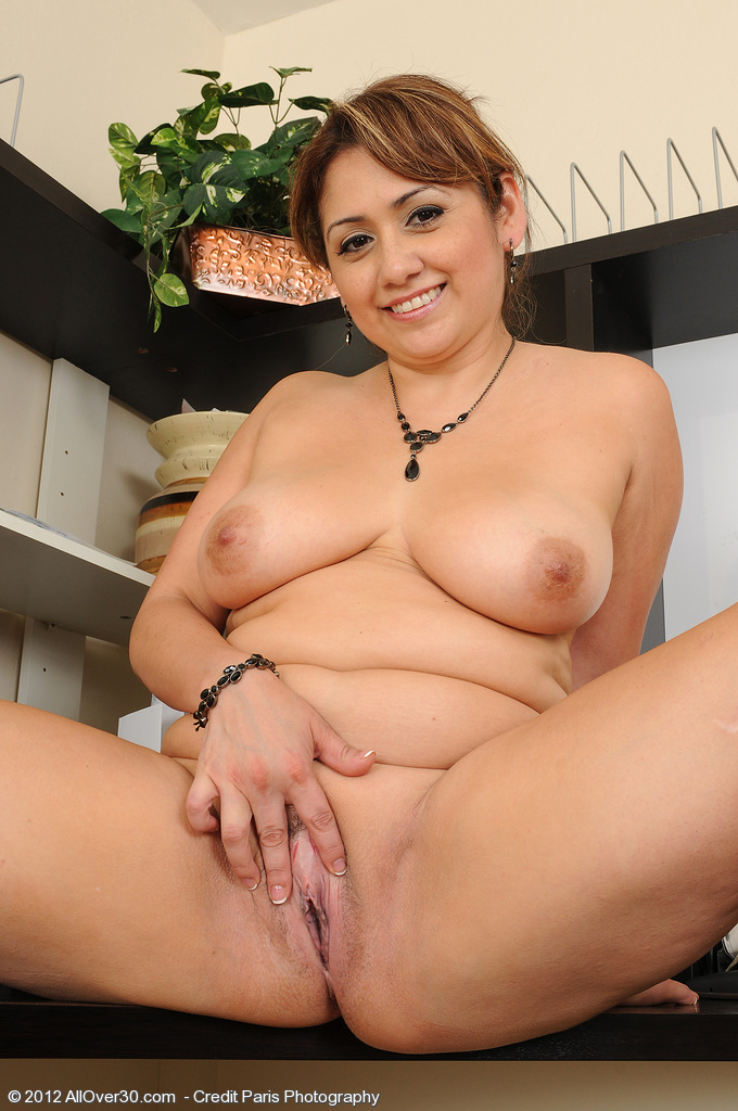 mature India nude british