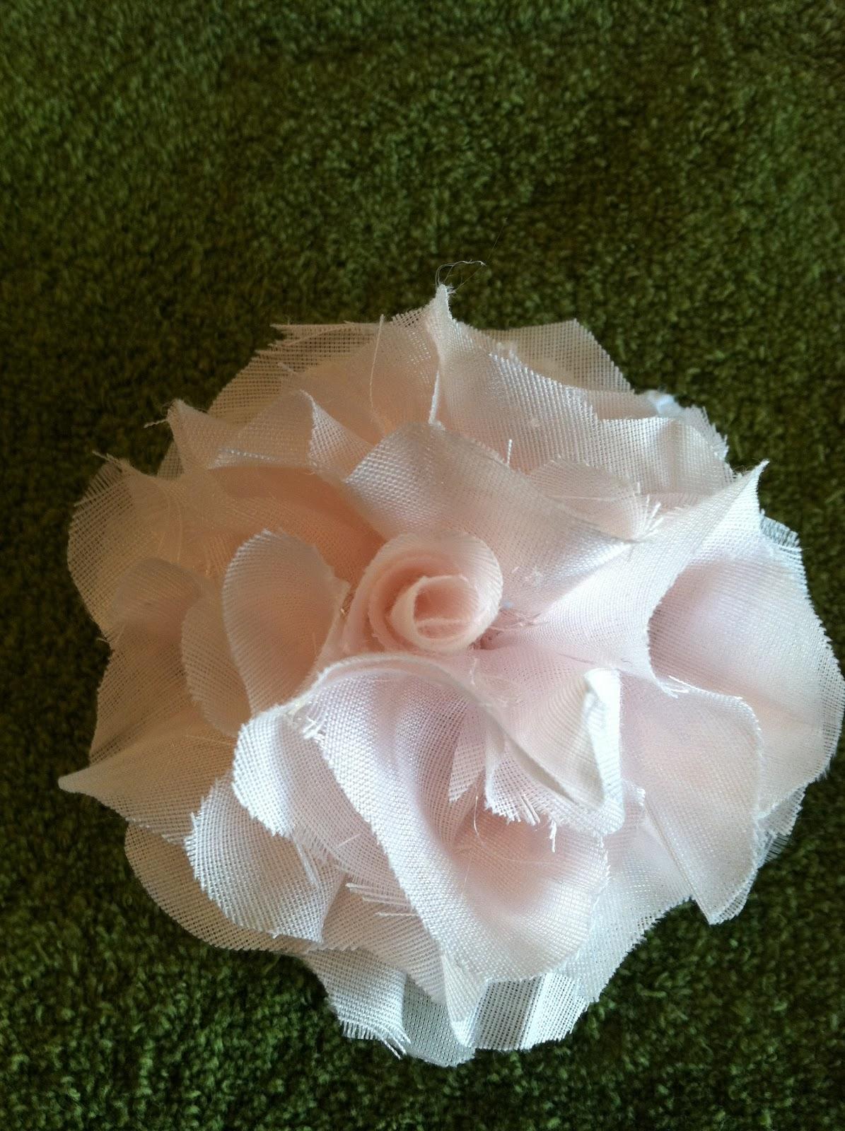 Natural homemade living diy fabric flowers diy fabric flowers mightylinksfo