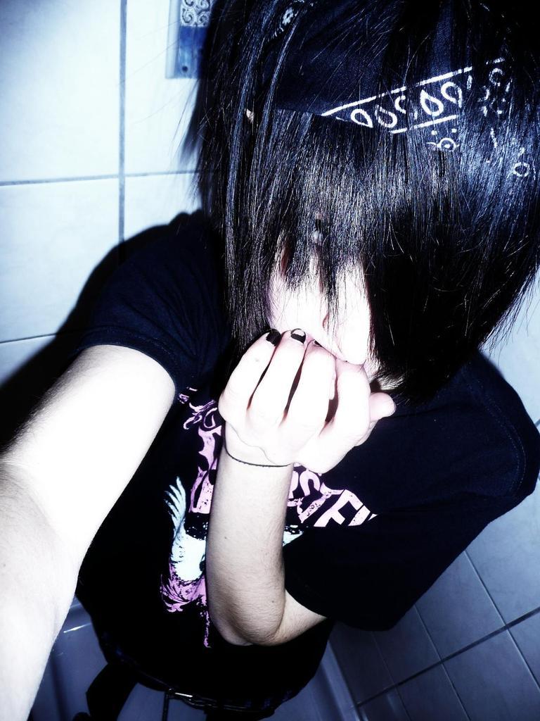 Emo Hair Emo Hairstyles Emo Haircuts Emo Vs Scene