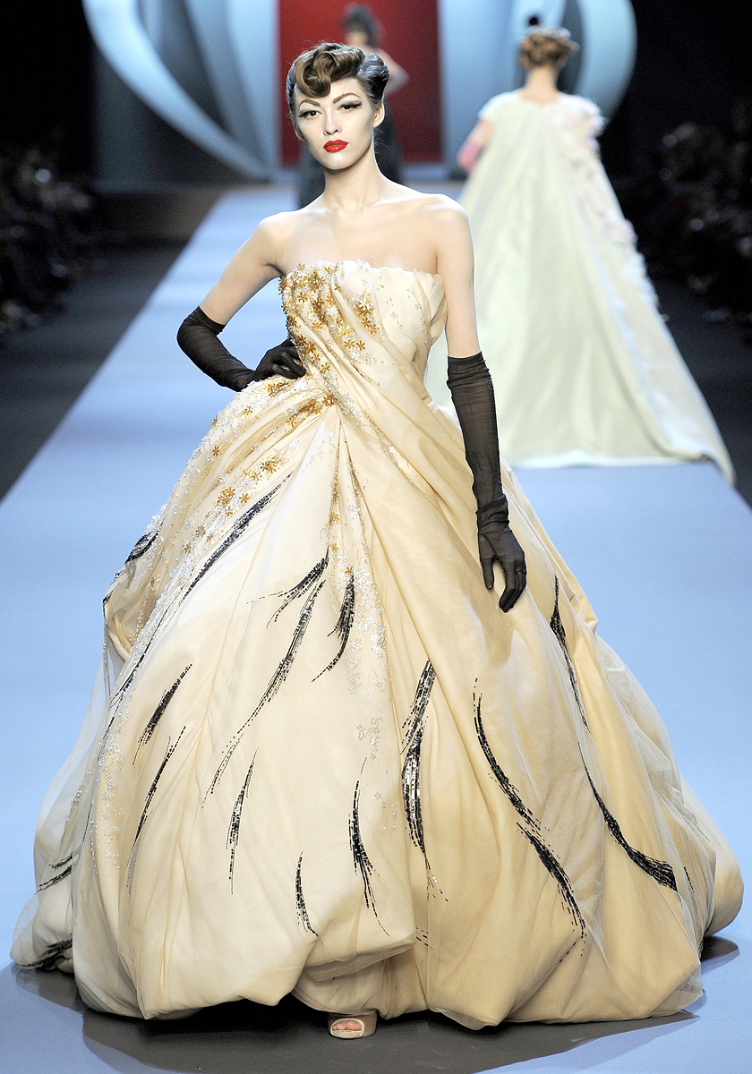 Ma Cherie, Dior: In The News : Couture Week; Kate Moss's Fairy ...