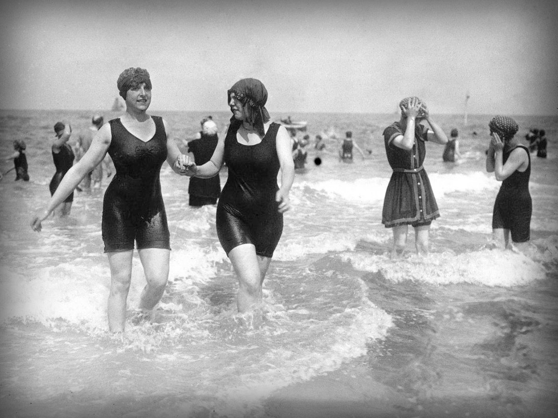 000d2dcb1a18 Swimsuit in Europe and Burkini