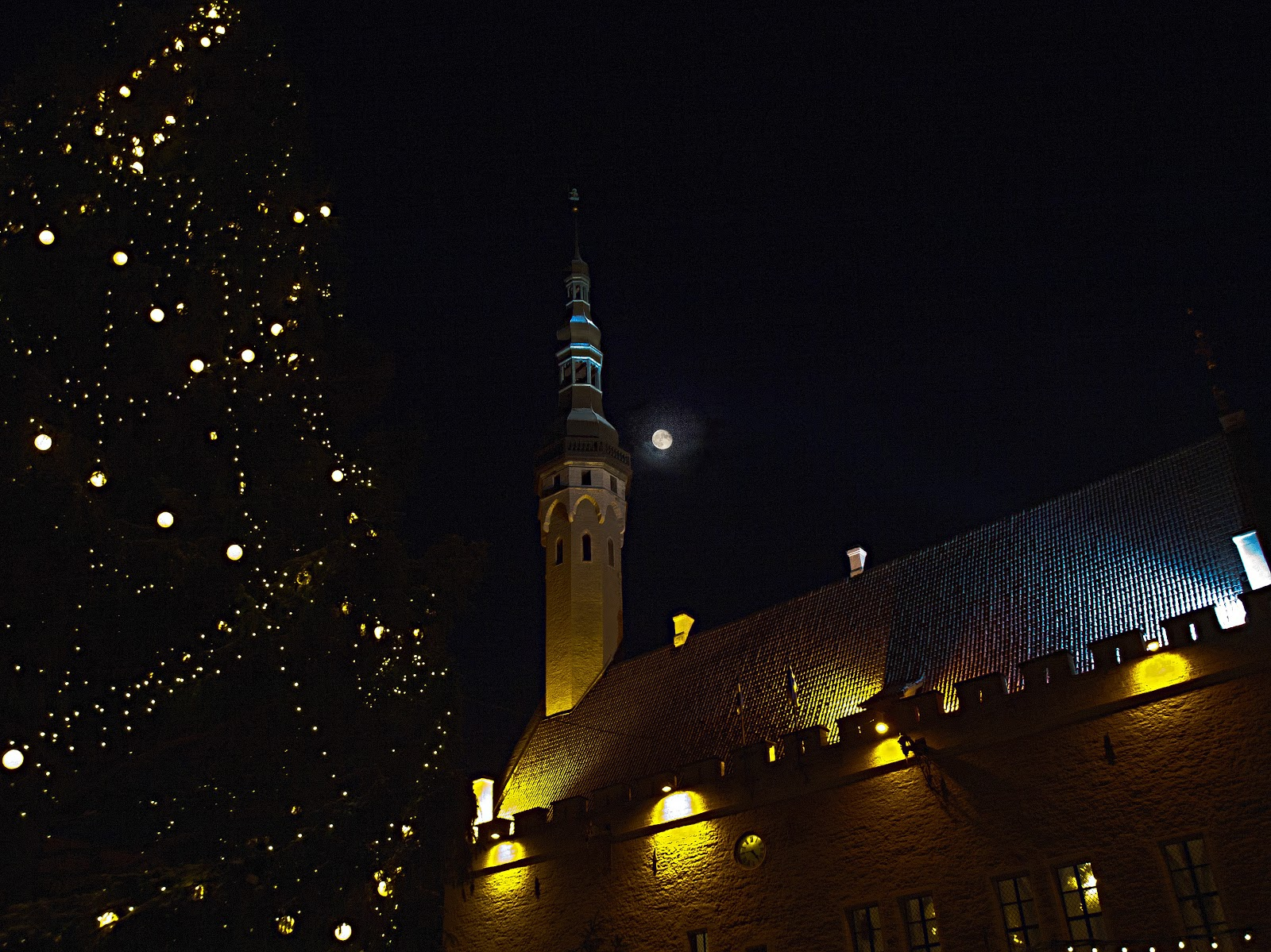 Рождественский Таллинн.Ратушная площадь