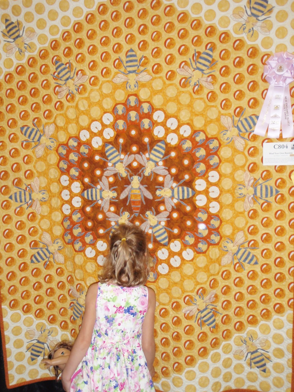 This Quilting Mama: 2012 Vermont Quilt Festival: Through the Eyes ... : honey bee quilt pattern - Adamdwight.com