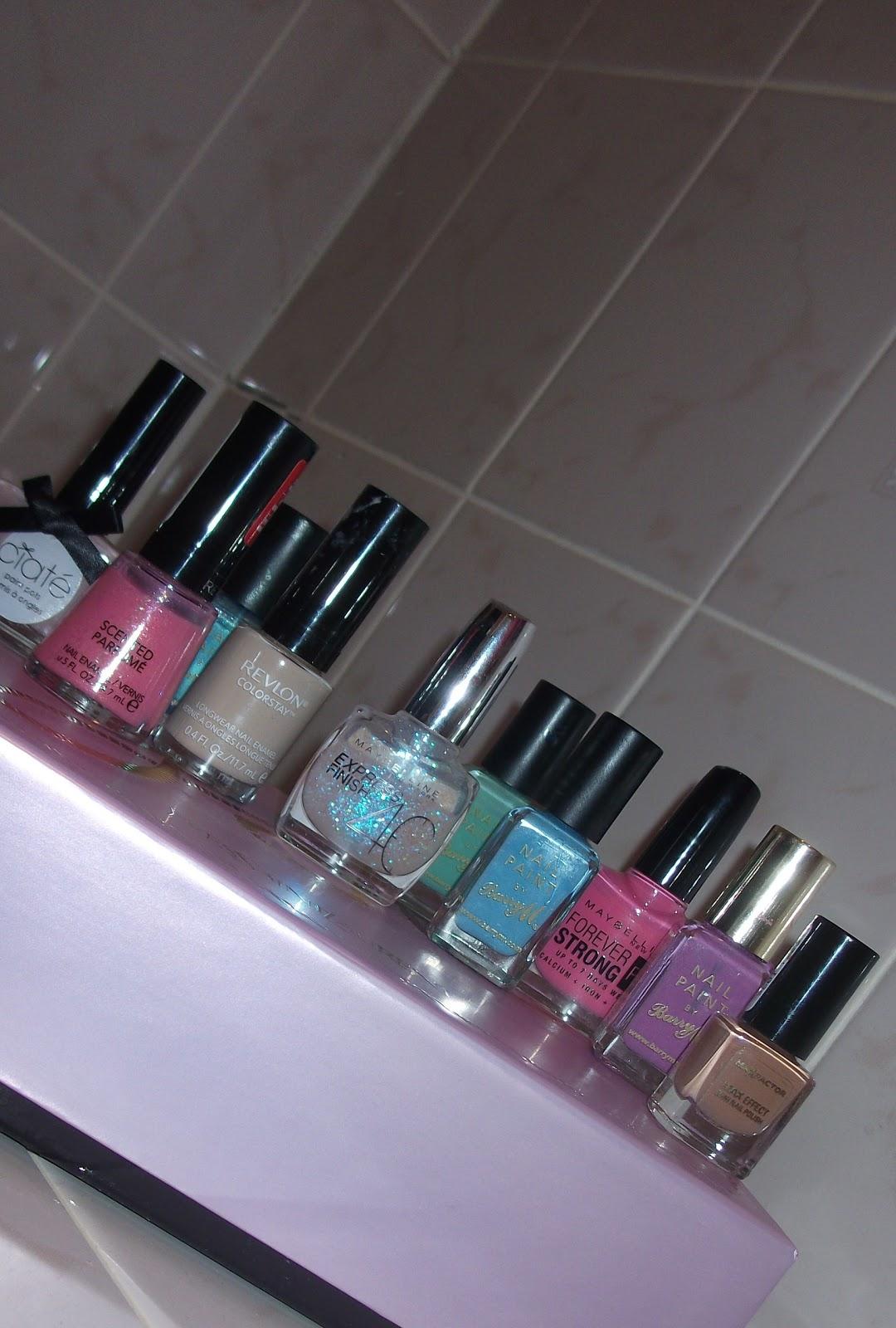 http://1.bp.blogspot.com/-reZImn8NgKY/T-X933m2aAI/AAAAAAAAADA/_464pJohtsM/s1600/Edited+version+of+TOP+10+summer+nail+colours+2..jpg