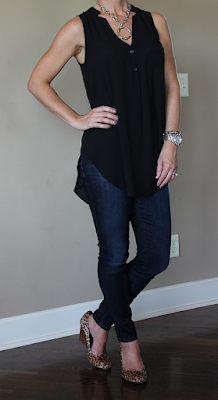 casual date night style, outfit inspiration, black top with skinny jeans