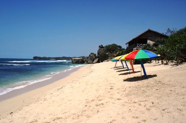 Wisata Pantai di Jogja Yogyakarta - Pantai Indrayanti Gunung Kidul