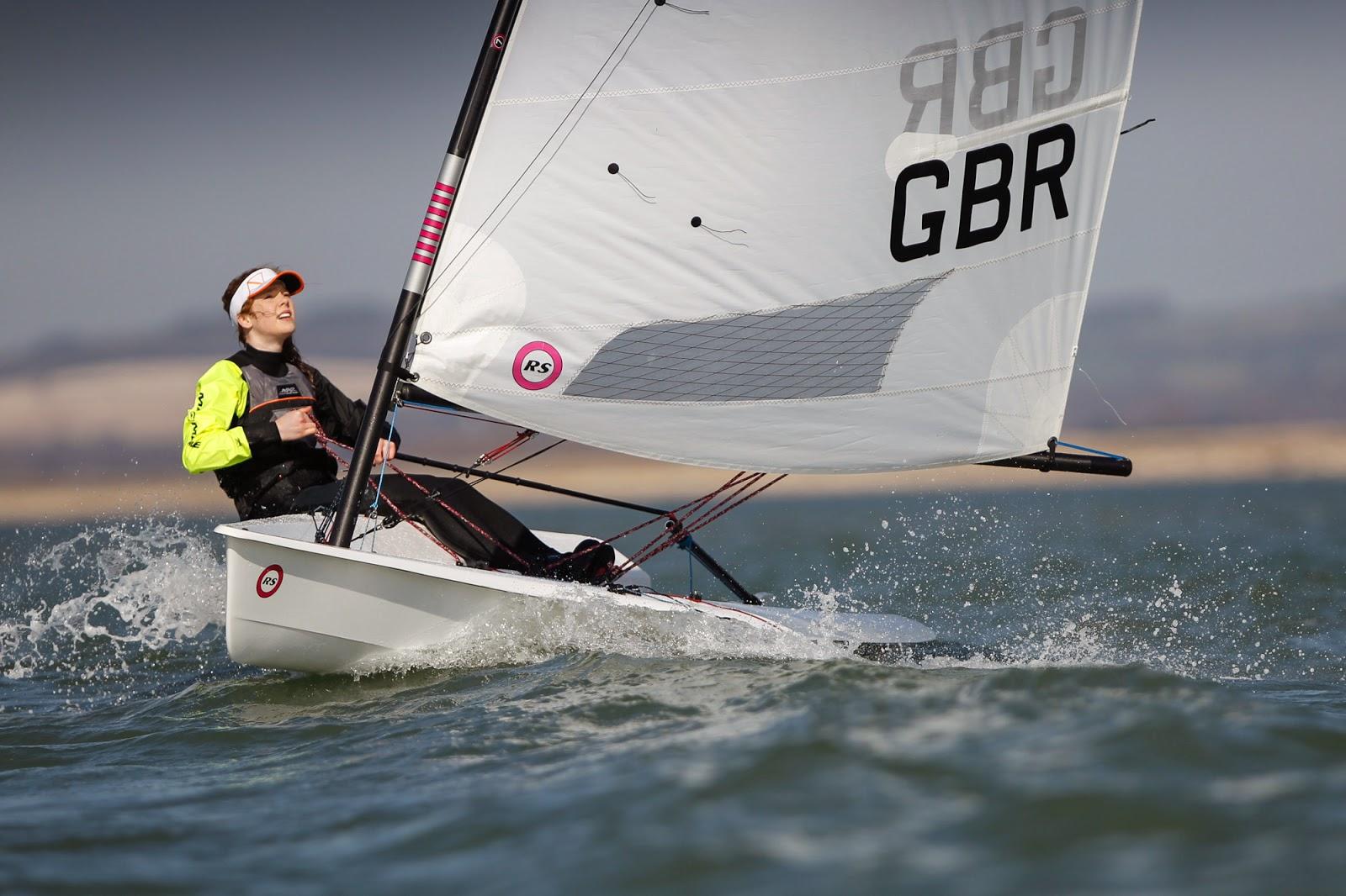En partenariat avec le Yacht Club de Carnac, la société RS Sailing innove en proposant d'essayer ses dériveurs. Belle initiative !