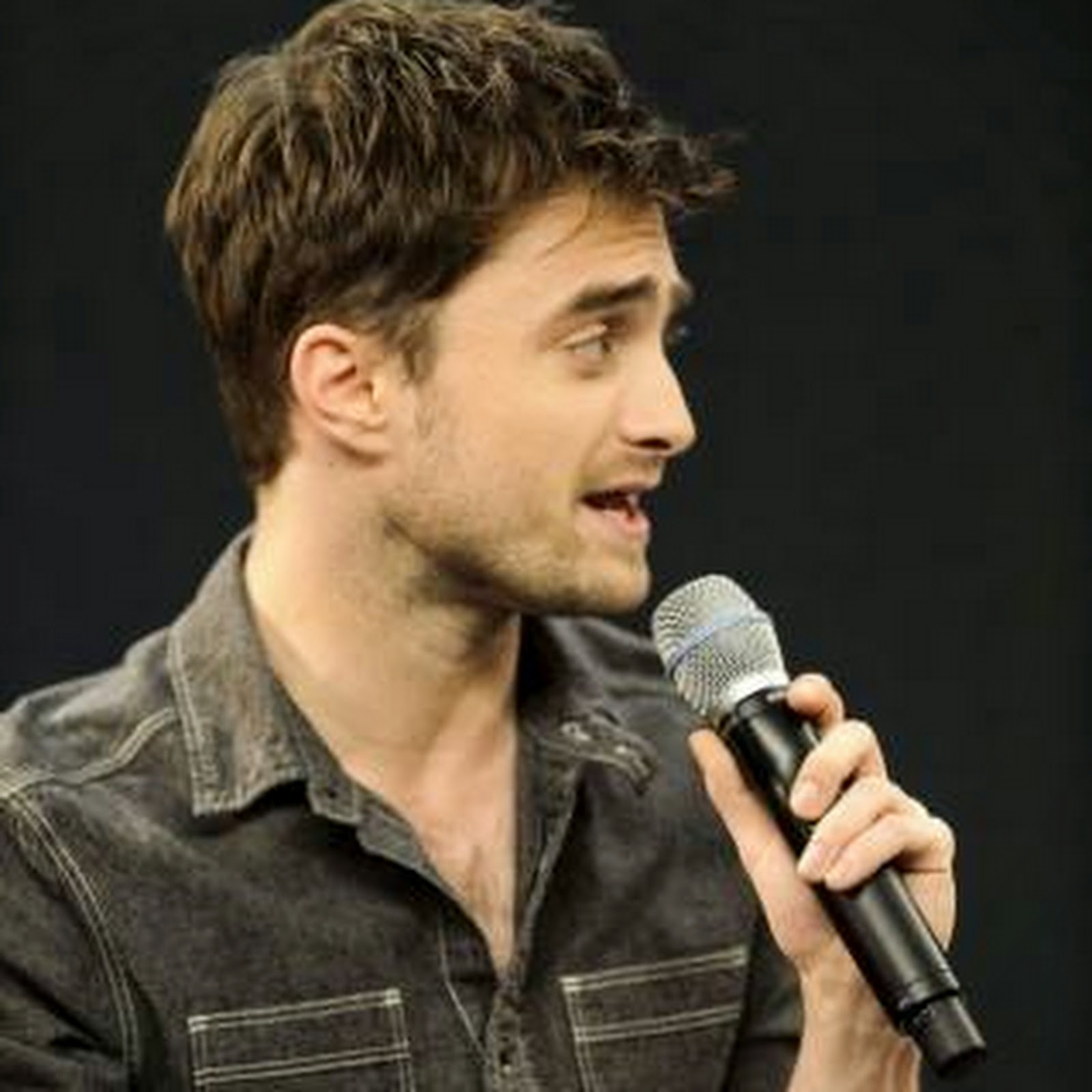 August 2014 daniel j radcliffe holland picture source ray tangrex gamestrikefo Images
