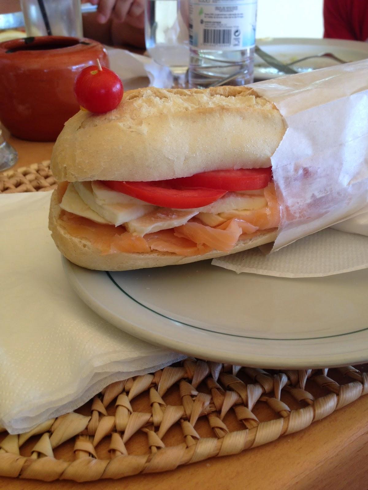 A mítica sandes de salmão.