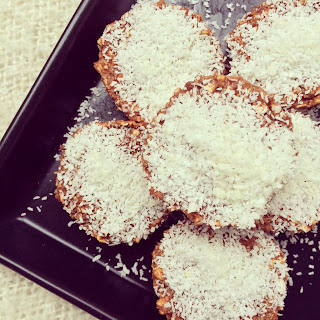 mini-gâteaux d'avoine sans cuisson cacao et beurre de cacahuètes