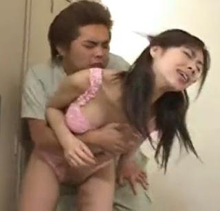 Phim sex hiếp dâm y tá tại phòng thay đồ