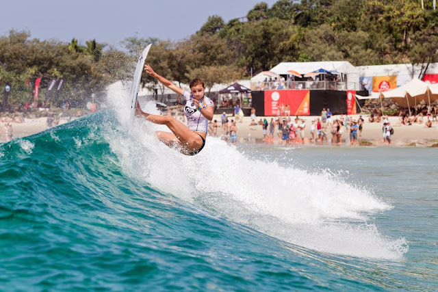 1 Roxy Pro Gold Coast 2015 Lakey Peterson Foto WSL Kelly Cestari