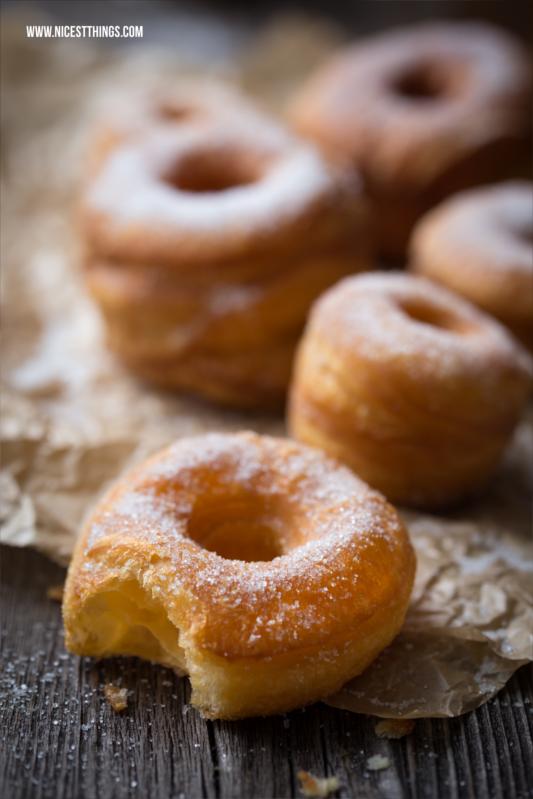 Cronut Rezept Cronuts selber machen aus Blätterteig, schnell und einfach #cronut #cronuts #donuts