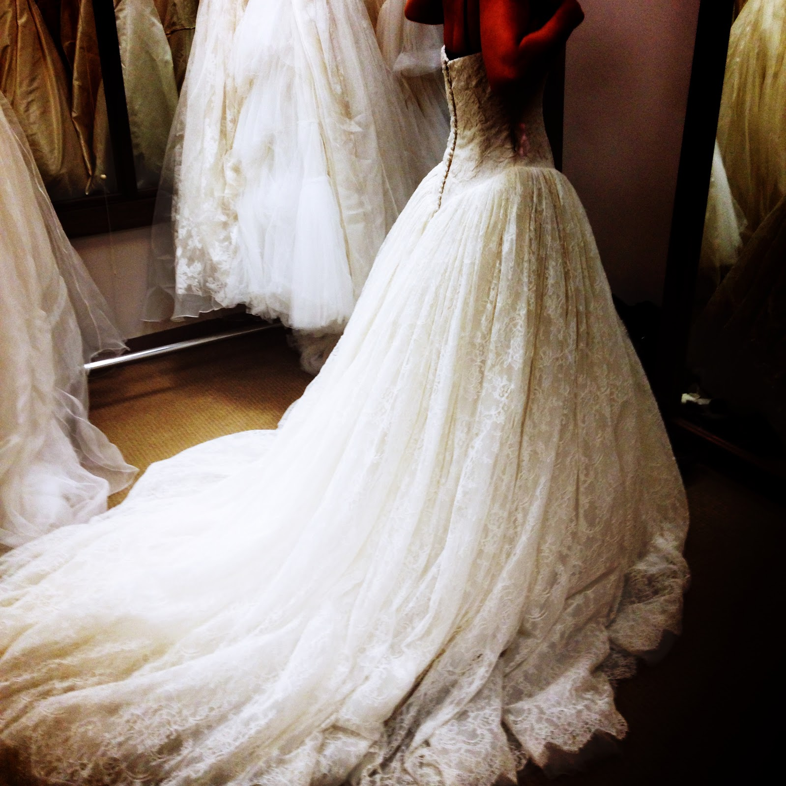 New York à la Keiko: In pictures: Vera Wang bridal sample sale ...