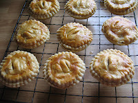 Mince pies with home-made mincemeat
