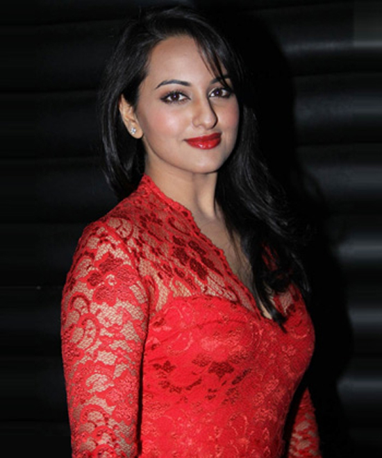 Download Free HD Wallpapers of Sonakshi Sinha