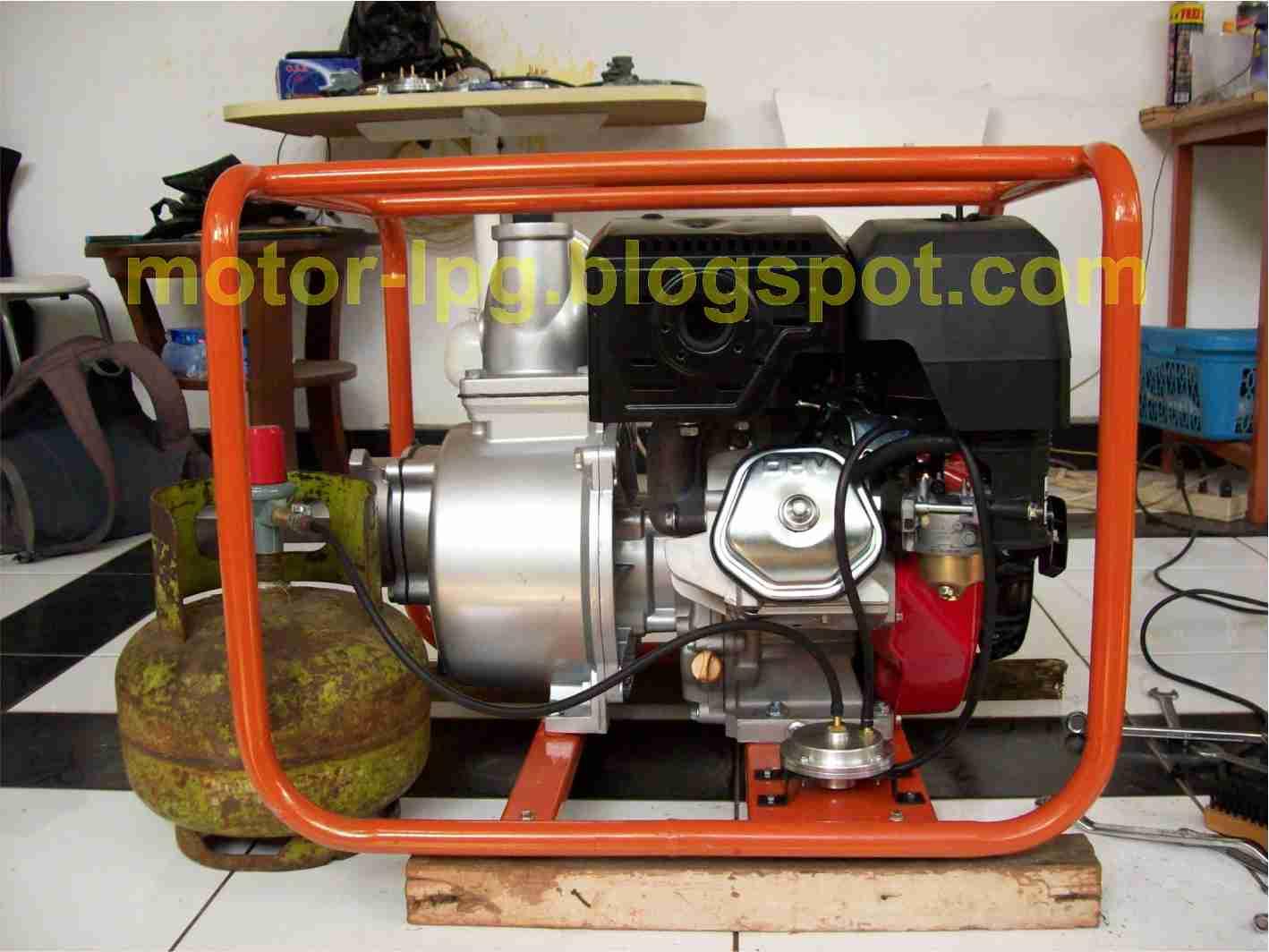 Gambar 1. Mesin pompa air berbahan bakar LPG (atau Bensin)