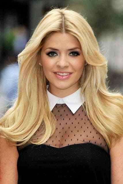 Holly Willoughby Photo 005