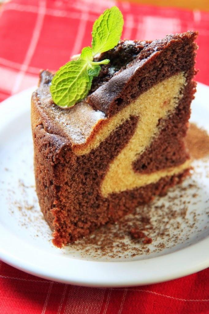 Easy Moist Marble Cake