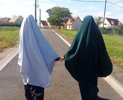 hati hati memakai hijab syar i jerat iblis dalam pakaian