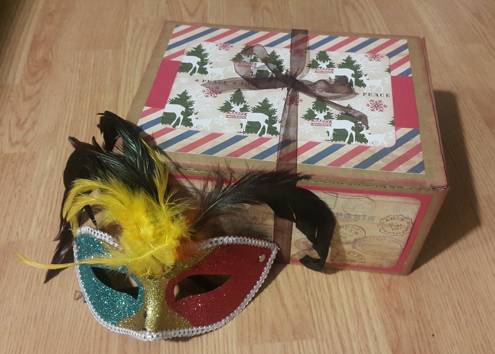 Mi rinc n scrapero domingoscreativos caja de cart n - Cajas de carton de navidad ...