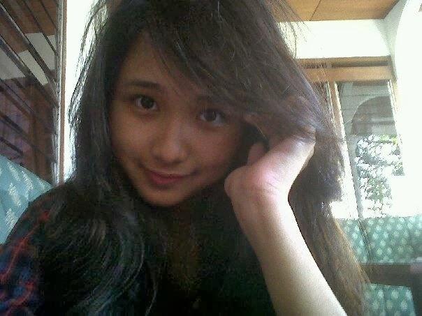 Kumpulan Foto Nadya Almira Puteri Indonesian Idol | Titano Boa