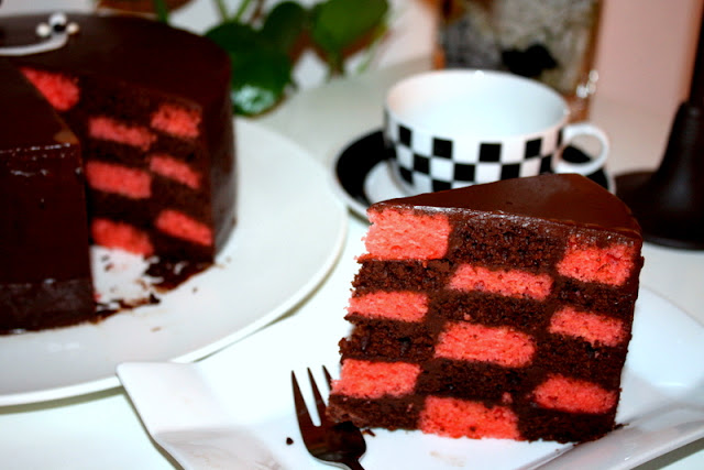 Checkered Cake without special pans