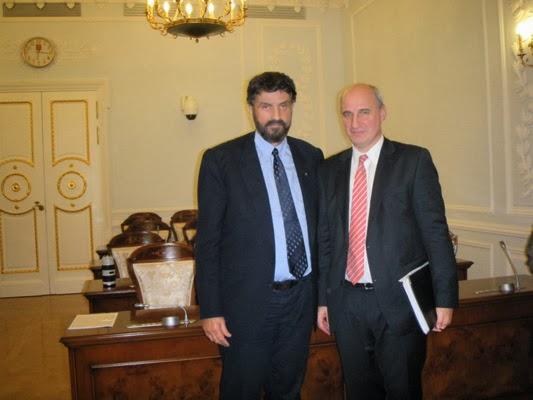 Με τον Έλληνα Πρόξενο στην Αγία Πετρούπολη