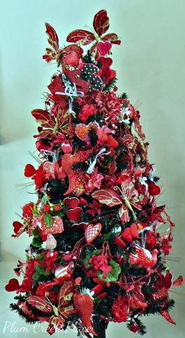 Valentines Day tree, decorating for Valentines Day