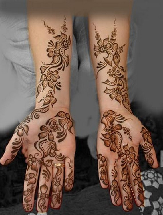 So Check out some latest Arabic Mehndi Designs For Hands;