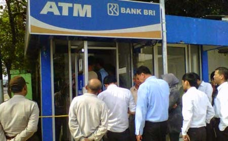Cara Cek Saldo Rekening BRI Melalui ATM