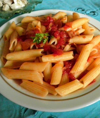 Penne Arrabiata Recipe @ treatntrick.blogspot.com