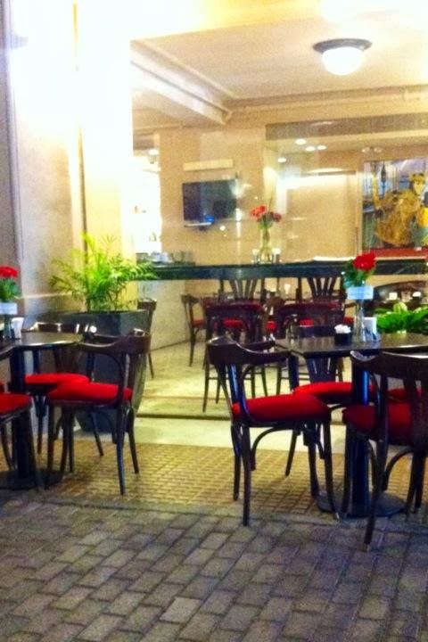 Trix en la cocina caf vizno confiter a del teatro col n for Teatro la cocina
