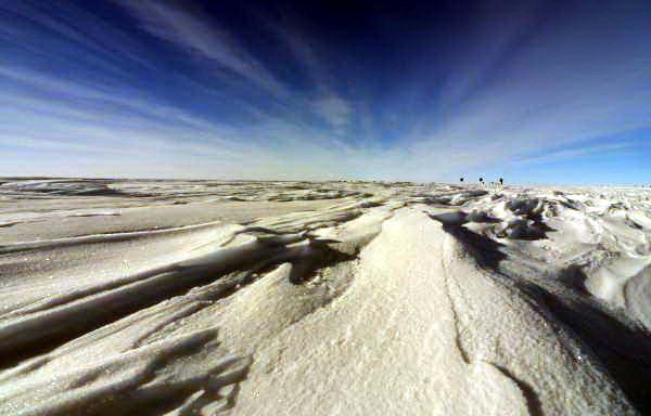 Antartika   adalah tempat yang benar-benar tak tersentuh. 96 persen dari  benua ini   ditutupi es, dengan ketebalan rata-rata lebih dari satu mil
