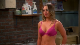 Penny de 'The Big Bang Theory' en sujetador