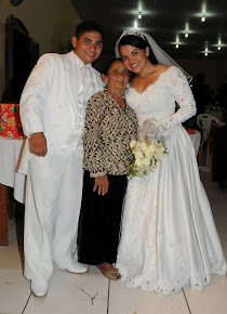 MINHA MAE, COM 85 ANOS DE IDADE, COM OS RECEM CASADOS